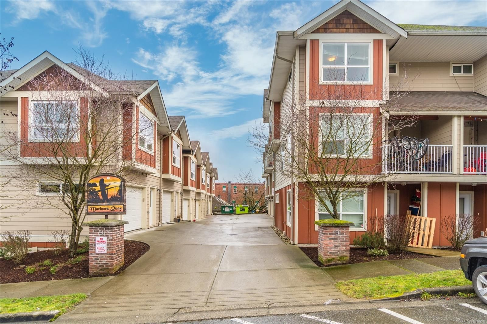 Main Photo: C 9 White St in : Du Ladysmith Row/Townhouse for sale (Duncan)  : MLS®# 879019