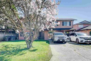 Photo 1: 14528 CHARTWELL Drive in Surrey: Bear Creek Green Timbers House for sale : MLS®# R2561575