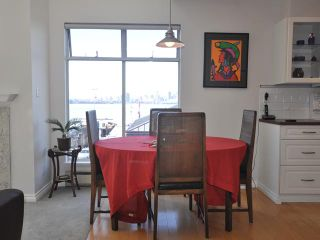 """Photo 4: 3312-33 Chesterfield Place in North Vancouver: Lower Lonsdale Condo for sale in """"Harbour View Place"""" : MLS®# V848716"""