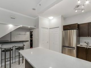 "Photo 8: 1190 RICHARDS Street in Vancouver: Yaletown Townhouse for sale in ""Park Plaza"" (Vancouver West)  : MLS®# V1122605"