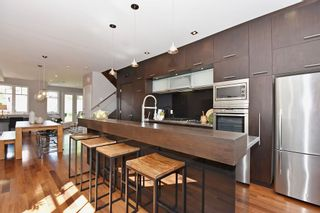 """Photo 9: 25 W 15TH Avenue in Vancouver: Mount Pleasant VW Townhouse for sale in """"CAMBIE VILLAGE"""" (Vancouver West)  : MLS®# R2065809"""
