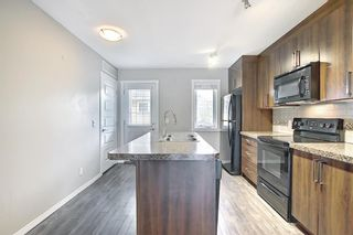Photo 13: 525 Mckenzie Towne Close SE in Calgary: McKenzie Towne Row/Townhouse for sale : MLS®# A1107217