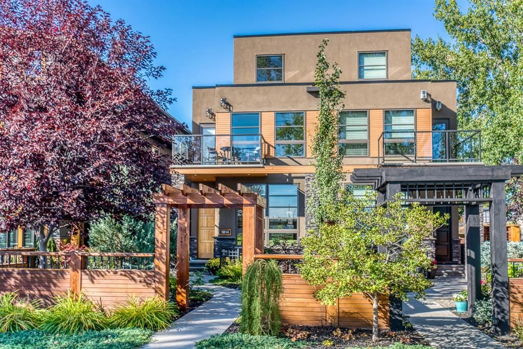 Main Photo: 1814 Westmount Boulevard NW in Calgary: Hillhurst Semi Detached for sale : MLS®# A1146295