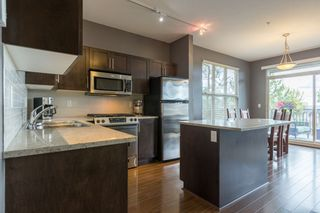 """Photo 2: 22 20326 68 Avenue in Langley: Willoughby Heights Townhouse for sale in """"Sunpointe"""" : MLS®# R2108413"""