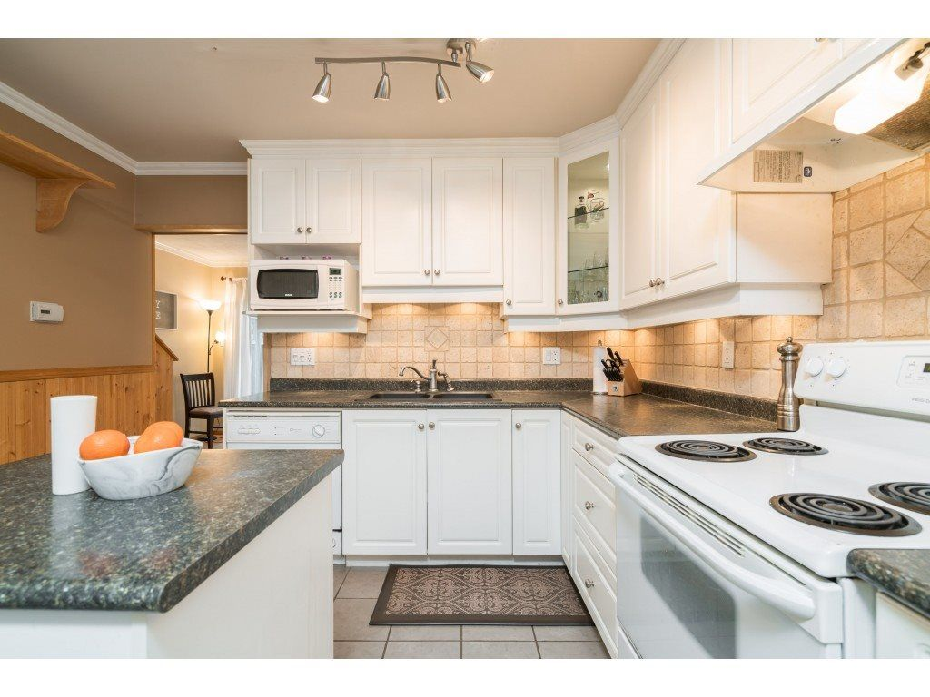 Photo 3: Photos: 8938 GANYMEDE PLACE in Burnaby: Simon Fraser Hills Townhouse for sale (Burnaby North)  : MLS®# R2416310