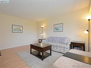 Photo 3: 1701 Jefferson Ave in VICTORIA: SE Gordon Head Half Duplex for sale (Saanich East)  : MLS®# 755004