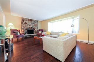 """Photo 5: 6427 CHAUCER Place in Burnaby: Buckingham Heights House for sale in """"BUCKINGHAM HEIGHTS"""" (Burnaby South)  : MLS®# R2402658"""