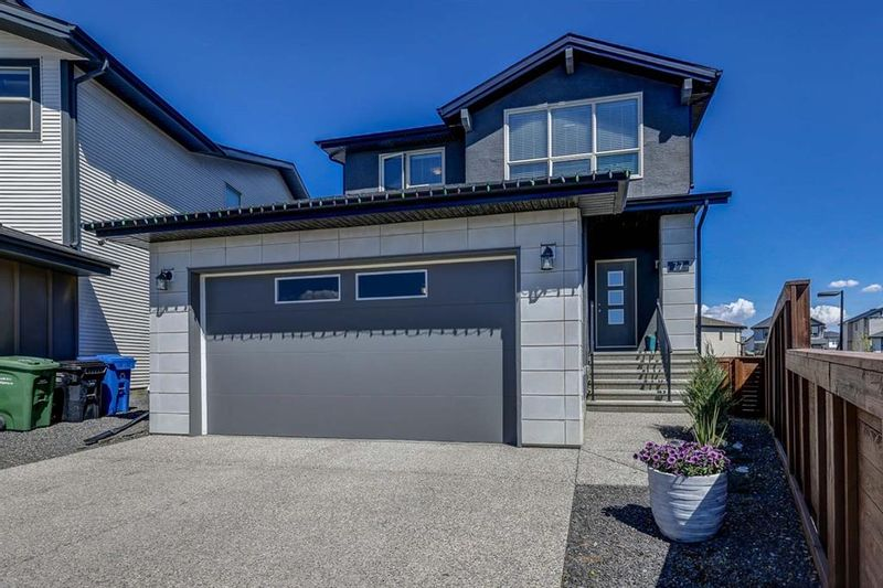FEATURED LISTING: 77 Walden Close Southeast Calgary