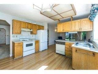 """Photo 8: 102 15153 98 Avenue in Surrey: Guildford Townhouse for sale in """"GLENWOOD VILLAGE"""" (North Surrey)  : MLS®# R2302083"""