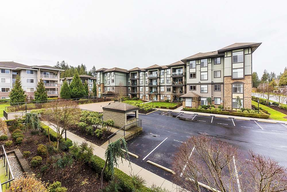 Photo 19: Photos: 211 33338 MAYFAIR Avenue in Abbotsford: Central Abbotsford Condo for sale : MLS®# R2327963