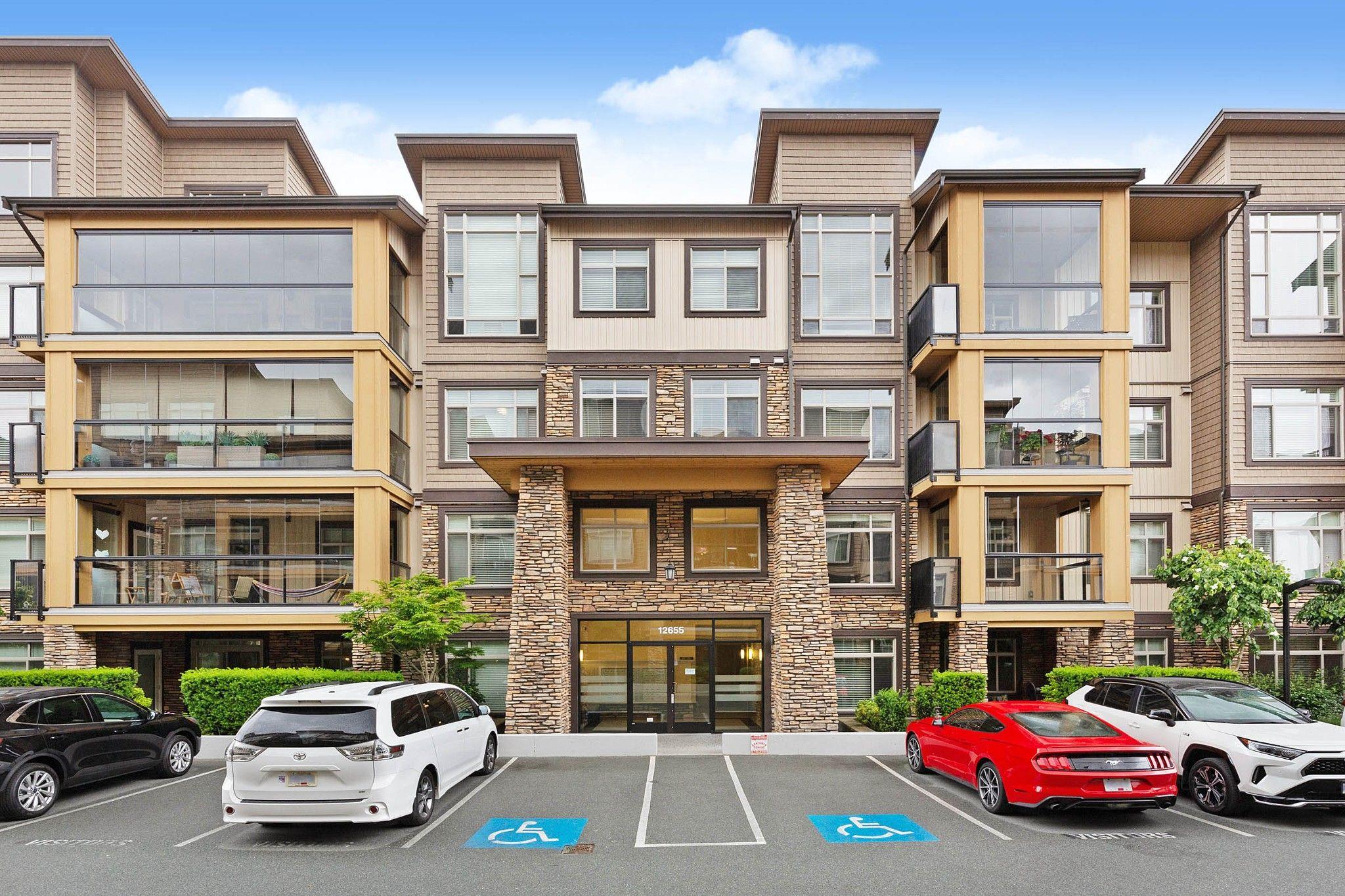 """Main Photo: 108 12655 190A Street in Pitt Meadows: Mid Meadows Condo for sale in """"Cedar Downs"""" : MLS®# R2593118"""