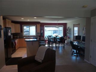 Photo 7: 732 PRESTWICK Circle SE in Calgary: McKenzie Towne House for sale : MLS®# C4019225