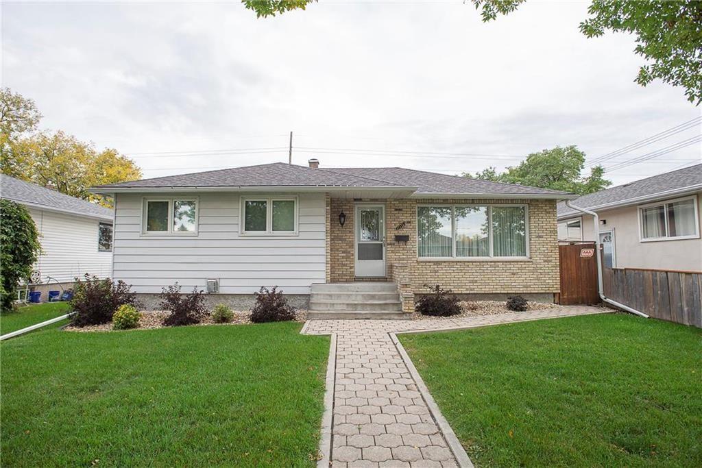 Main Photo: 688 Renfrew Street in Winnipeg: River Heights Residential for sale (1D)  : MLS®# 202122783