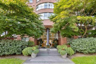 """Photo 2: 701 518 W 14TH Avenue in Vancouver: Fairview VW Condo for sale in """"PACIFICA"""" (Vancouver West)  : MLS®# R2614873"""