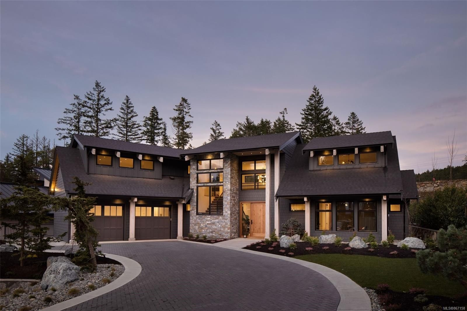 Main Photo: 2216 Riviera Pl in : La Bear Mountain House for sale (Langford)  : MLS®# 867158