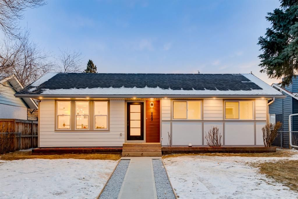 Main Photo: 523 Athlone Road SE in Calgary: Acadia Detached for sale : MLS®# A1056190