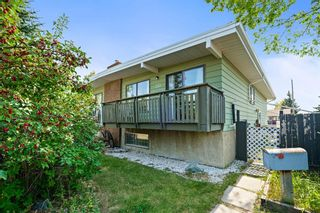 Main Photo: 233 Silver Mead Close NW in Calgary: Silver Springs Semi Detached for sale : MLS®# A1146226