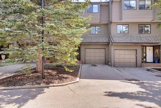 Photo 1: 1209 3240 66 Avenue SW in Calgary: Lakeview Row/Townhouse for sale : MLS®# A1136808