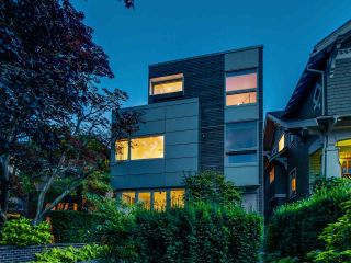 Photo 2: 1920 MCNICOLL Avenue in Vancouver: Kitsilano 1/2 Duplex for sale (Vancouver West)  : MLS®# R2109066
