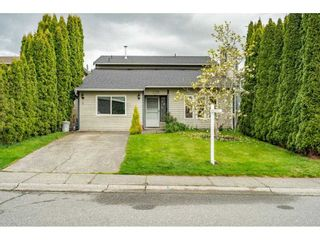 """Photo 1: 2391 WAKEFIELD Drive in Langley: Willoughby Heights House for sale in """"LANGLEY MEADOWS"""" : MLS®# R2577041"""