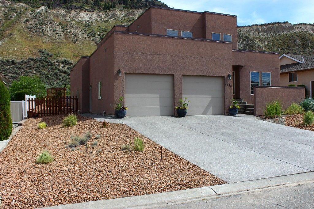 Photo 2: Photos: 3585 Navatanee Drive in Kamloops: Campbell Cr/Del Oro House for sale : MLS®# 123375