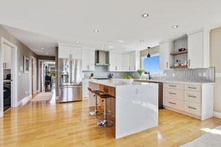 Photo 5: 948 KENT Street: White Rock House for sale (South Surrey White Rock)  : MLS®# R2615798