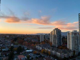 """Photo 4: 1803 5665 BOUNDARY Road in Vancouver: Collingwood VE Condo for sale in """"Wall Centre"""" (Vancouver East)  : MLS®# R2625088"""