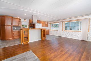 Photo 3: 15 2911 Sooke Lake Rd in Langford: La Goldstream Manufactured Home for sale : MLS®# 883967