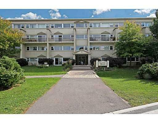 Main Photo: 12 Corkstown Rd # 206 in Ottawa: House for lease : MLS®# 935994