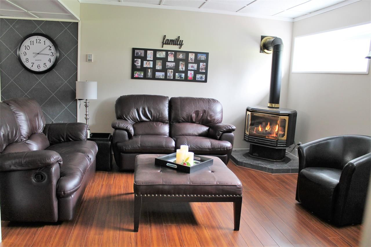 Photo 19: Photos: 1270 LEWIS Drive in Quesnel: Quesnel - Town House for sale (Quesnel (Zone 28))  : MLS®# R2478328