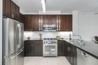 """Photo 11: 210 170 W 1ST Street in North Vancouver: Lower Lonsdale Condo for sale in """"ONE PARK LANE"""" : MLS®# R2535105"""