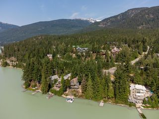 Photo 4: 9329 AUTUMN Place in Whistler: Emerald Estates House for sale : MLS®# R2599086