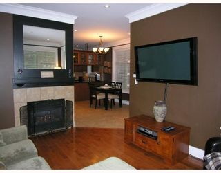 Photo 3: 255 E 13TH Avenue in Vancouver: Mount Pleasant VE Townhouse for sale (Vancouver East)  : MLS®# V685272