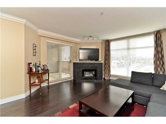 """Photo 2: Photos: 210 19131 FORD Road in Pitt Meadows: Central Meadows Condo for sale in """"WOODFORD MANOR"""" : MLS®# V996523"""