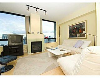 """Photo 3: 1003 BURNABY Street in Vancouver: West End VW Condo for sale in """"MILANO"""" (Vancouver West)  : MLS®# V620406"""
