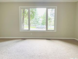 Photo 4: 313 La Ronge Road in Saskatoon: River Heights SA Residential for sale : MLS®# SK859361