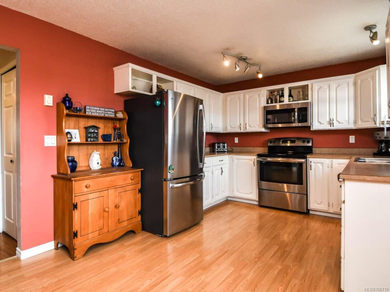 Photo 17: Photos: 1234 Denis Rd in CAMPBELL RIVER: CR Campbell River Central House for sale (Campbell River)  : MLS®# 786719