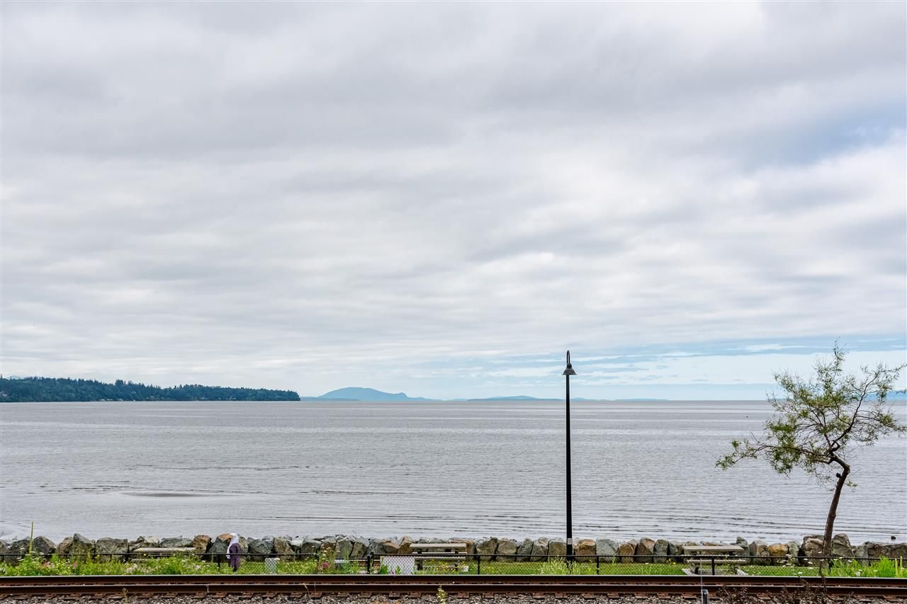 """Main Photo: 11 15563 MARINE Drive: White Rock Condo for sale in """"Oceanview Terrace"""" (South Surrey White Rock)  : MLS®# R2513794"""