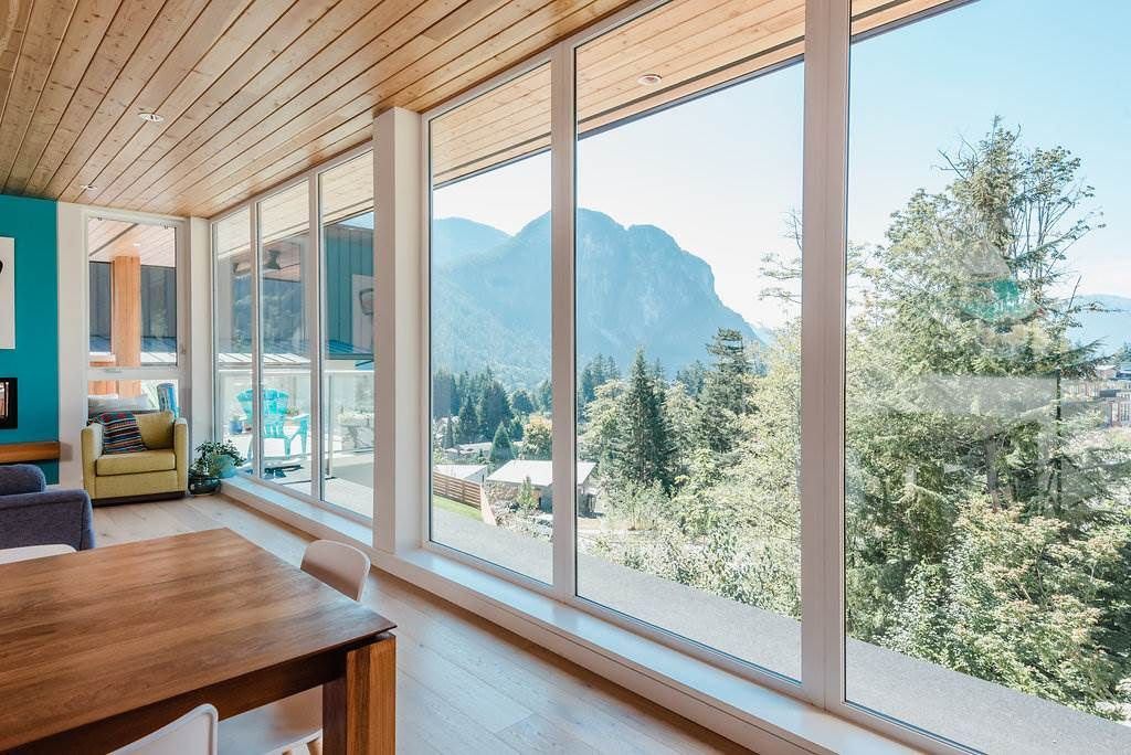 "Main Photo: 2180 WINDSAIL Place in Squamish: Plateau House for sale in ""Crumpit Woods"" : MLS®# R2304115"