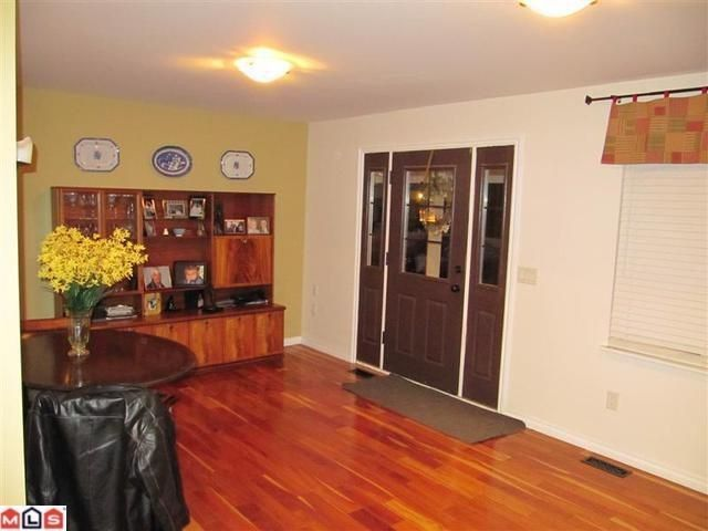 Photo 2: Photos: 2530 126 St in South Surrey: Crescent Bch Ocean Pk. House for sale (South Surrey White Rock)  : MLS®# F1104571