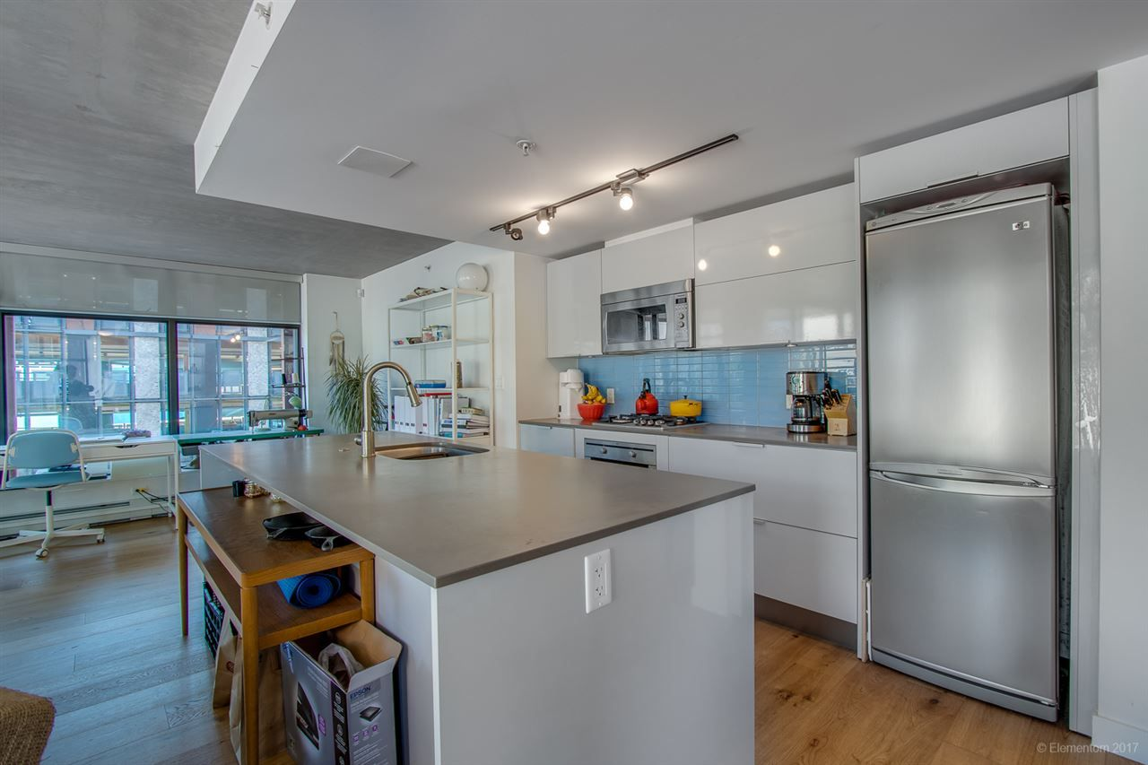 """Photo 8: Photos: 610 128 W CORDOVA Street in Vancouver: Downtown VW Condo for sale in """"WOODWARDS W43"""" (Vancouver West)  : MLS®# R2191922"""
