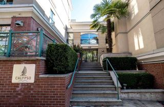 """Photo 1: 129 332 LONSDALE Avenue in North Vancouver: Lower Lonsdale Condo for sale in """"CALYPSO"""" : MLS®# R2295234"""