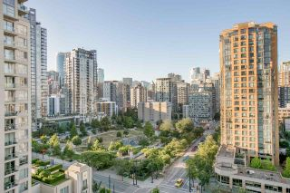 """Photo 8: 1206 1238 RICHARDS Street in Vancouver: Yaletown Condo for sale in """"METROPOLIS"""" (Vancouver West)  : MLS®# R2187337"""