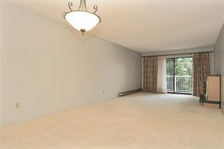 """Photo 3: 217 12890 17TH Avenue in Surrey: Crescent Bch Ocean Pk. Condo for sale in """"OCEAN PARK PLACE"""" (South Surrey White Rock)  : MLS®# F2925768"""