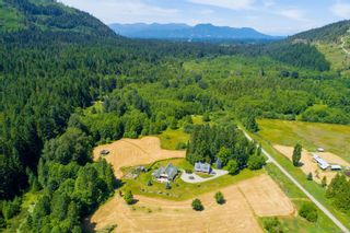 Photo 2: 3775 Mountain Rd in : ML Cobble Hill House for sale (Malahat & Area)  : MLS®# 886261