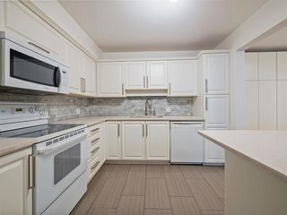 Photo 9: 106 3788 W 8TH AVENUE in Vancouver: Point Grey Condo for sale (Vancouver West)  : MLS®# R2470249