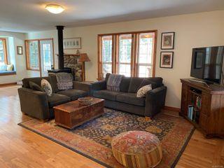 Photo 7: 829 Lazo Rd in : CV Comox Peninsula House for sale (Comox Valley)  : MLS®# 871428