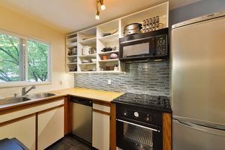 Photo 11: 201 1641 WOODLAND DRIVE in Vancouver: Grandview VE Condo for sale (Vancouver East)  : MLS®# R2070144