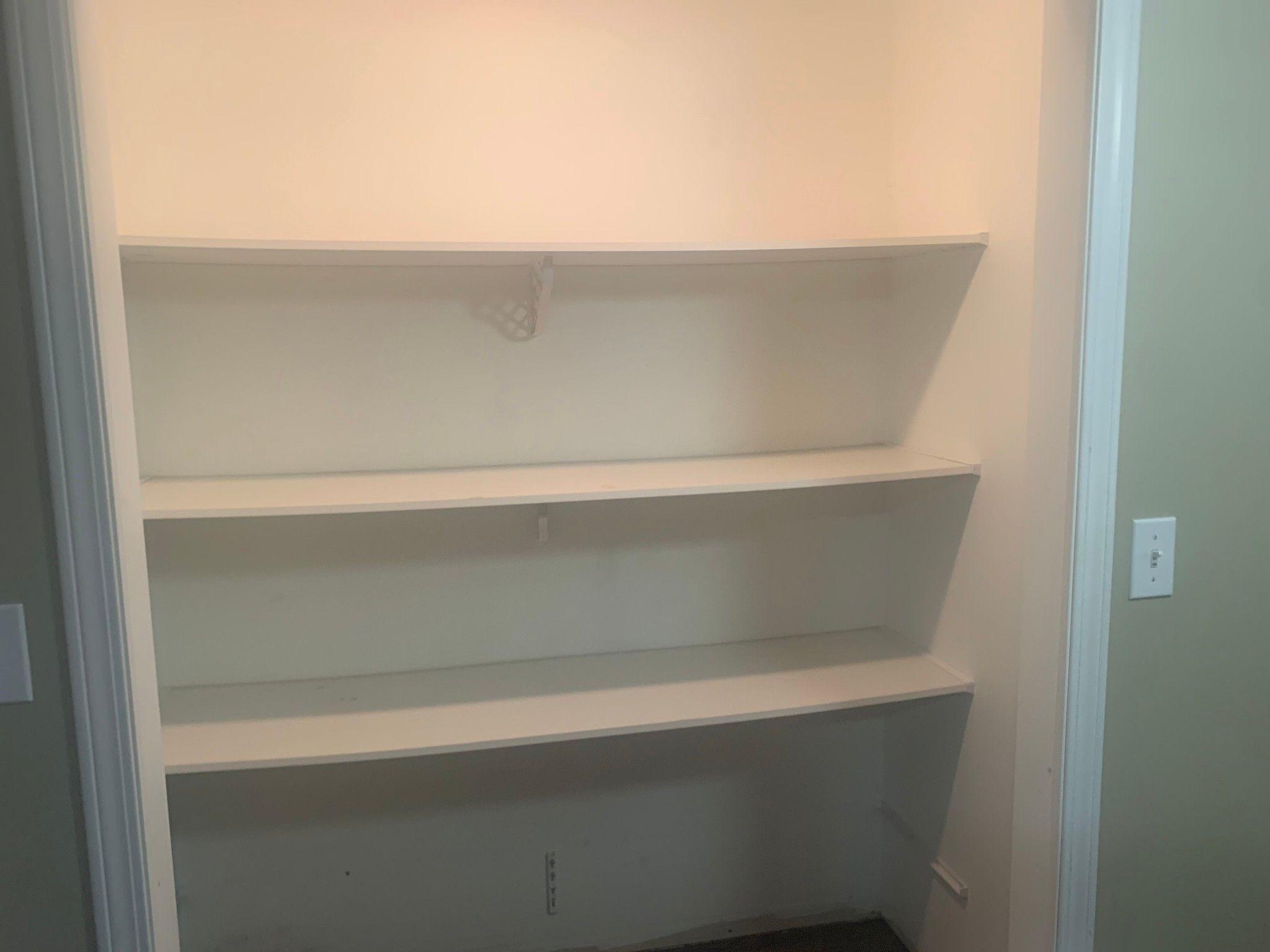 Photo 12: Photos: BSMT 1686 McKenzie Rd. in Abbotsford: Poplar Condo for rent