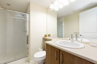 """Photo 12: 207 3082 DAYANEE SPRINGS BOULEVARD Boulevard in Coquitlam: Westwood Plateau Condo for sale in """"The Lanterns"""" : MLS®# R2443838"""